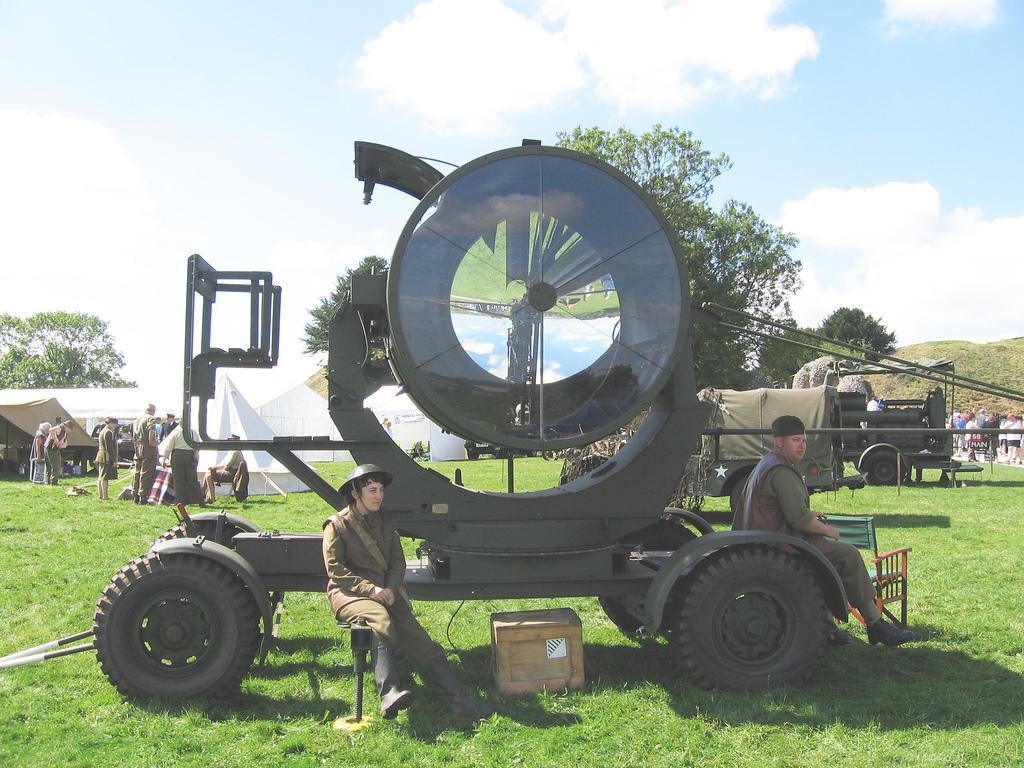 world-war-2-searchlight