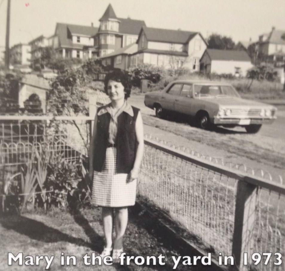 mary-hucul-yard